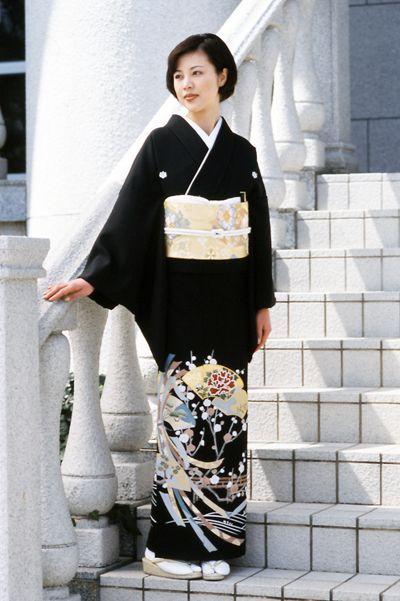 結婚式 和装 髪型 50代 黒留袖 留袖 伝統的な服