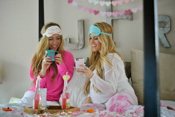 Party Guide: How to Throw a Bachelorette Slumber Party