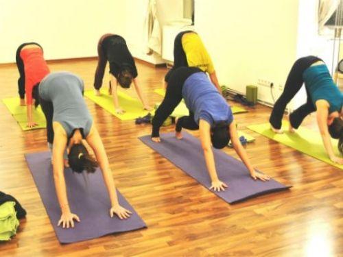 Yoga Ausbildung Wien (wöchentlich) - 200h Yoga Alliance® zertifiziert