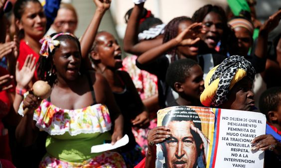 委內瑞拉惡性通膨、經濟崩潰 民眾缺糧搶糧、以物易物 - The News Lens 關鍵評論網