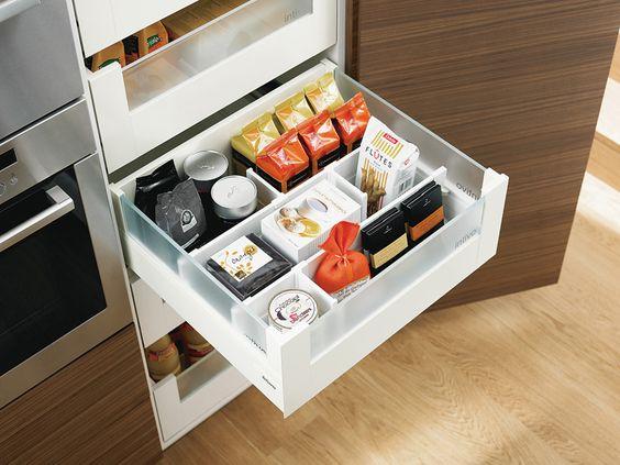 Blum voorraadkast keuken met handige indeling legrabox   moderne ...