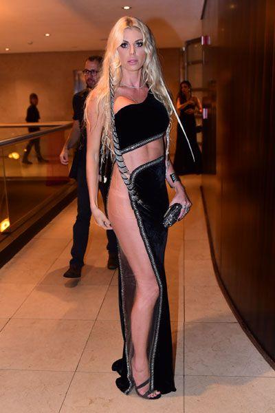 Caroline Bittencourt em festa em São Paulo: