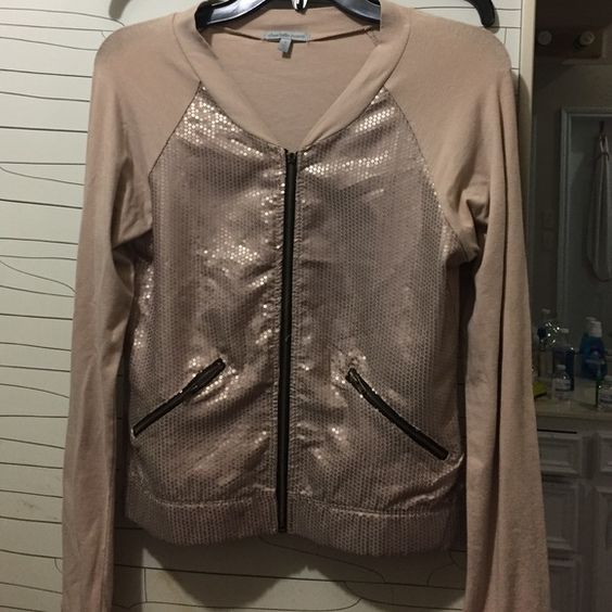 Charlotte russe size S Very cute new just zipper peace fell of .All is working fine just missing Its brand new .Nice collor comfy and beautiful jacket /sweater Charlotte Russe Sweaters