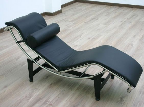 Cassina chaise lounge le corbusier home and leather for Chaise lounge cassina