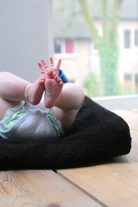 Handdoek wordt aankleedkussenhoes | Kiind Magazine