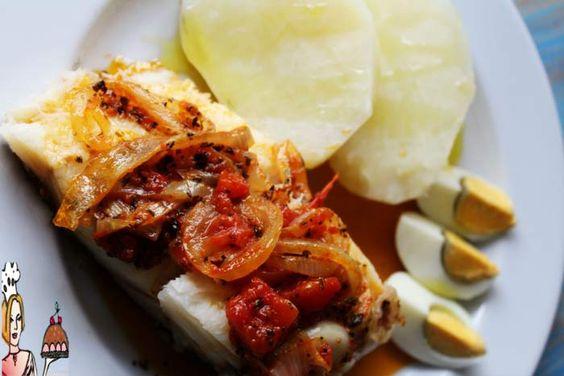 Bacalhau com Molho Vermelho