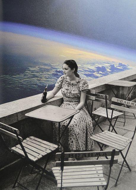 Tomando una Pepsi a un costado del mundo, en nuestro palacio...-kvs by Djuno…