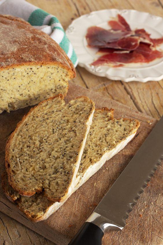 Pão de batata com sementes de papoila