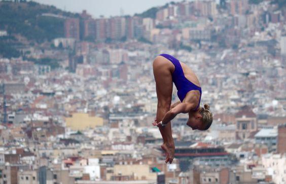 """Klaus Lenzen - """"Formvollendet"""".  Hier gehts zur Gesamtübersicht: http://pxm.li/6ryCDE #Sommer #Schwimmen #Sport #Foto"""