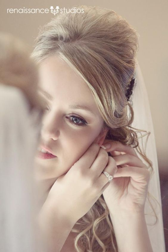 great bride getting ready portrait @Casey Dalene Renee