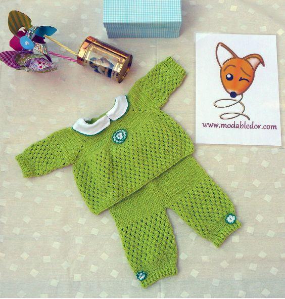 conjunto de jersey y pantalón de lana con cuello en batista con bordado en orilla. Para bebé de 0 a 3 meses.