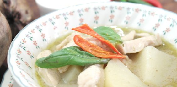 This is probably one of the most popular Thai dishes - Green Curry, learn how to make Thai Green Curry with chicken with this Thai recipe.