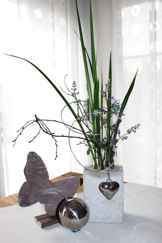 Vase aus Beton, mit Reagenzgläser für die eigene Lieblingsblume! Incl. Draht und ein Edelstahlherz 14,90€