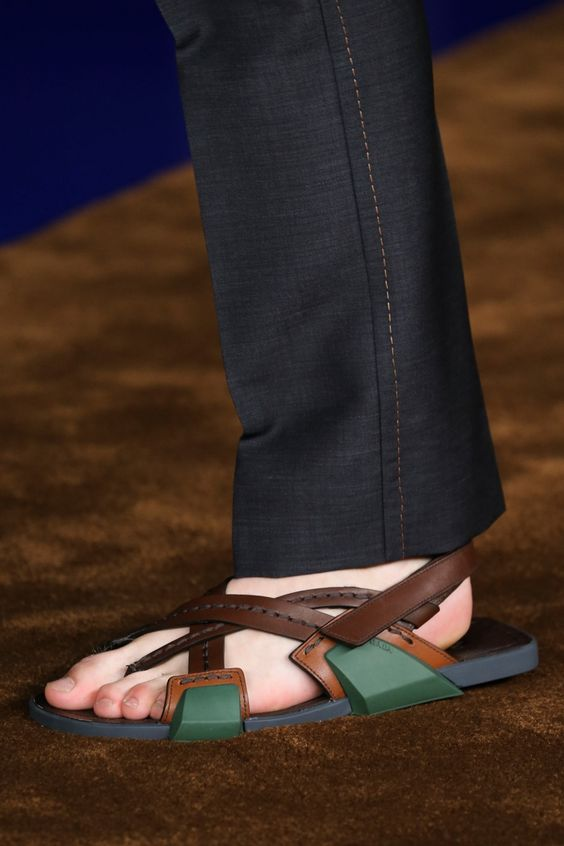 sandalo uomo moda