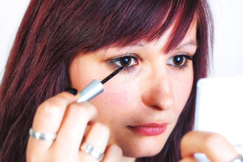 What Is The Better Choice - Liquid Or Pencil Eyeliner?
