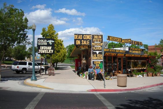 Trying to plan a kid-friendly day in Las Vegas? Take a short drive to visit…