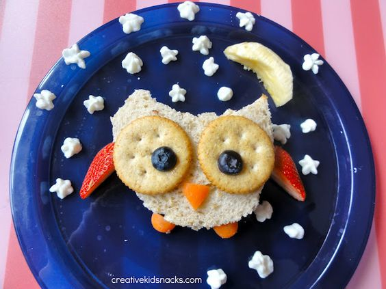Creative Kid Snacks: The Friendly Mr. Owl along with many other ideas for cute food for kids.