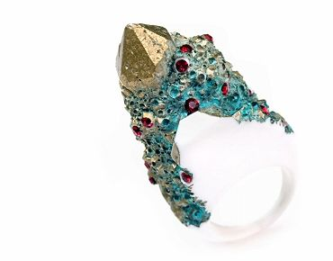 Triian Ring