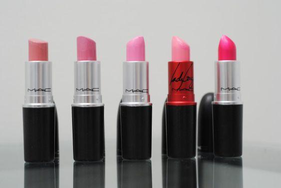 Pero en lugar de sentirte desorientada frente a un mostrador de maquillaje con un sinfín de opciones y lápices labiales, te hablaremos de los bonitos tonos que transformarán tus labios | Maquillaje para tus quince |