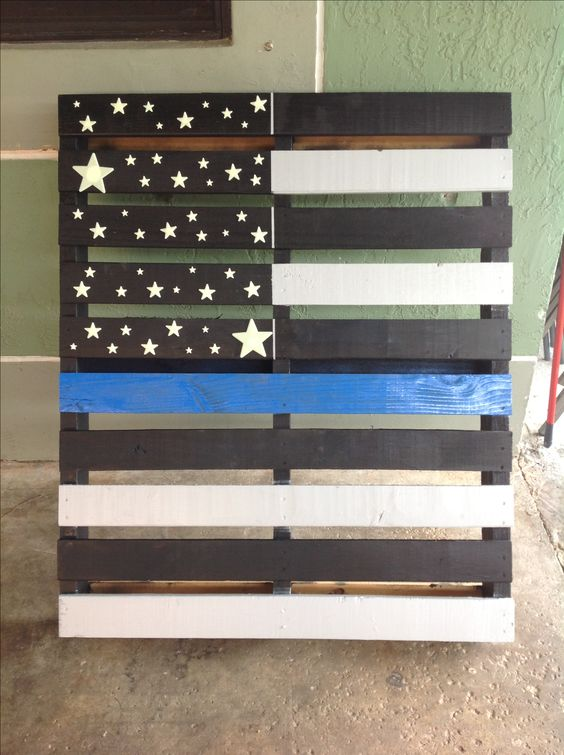 Creative way to make use of a pallet. American flag with the thin ...