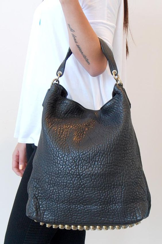 Just snapped up this Alexander Wang Darcy Hobo. Cannot wait for it to arrive!! #splurge