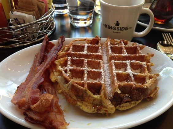 Many St. Louis restaurants take breakfast seriously. Here are some great places in St. Louis to have a quick weekday bite or a relaxing weekend brunch.