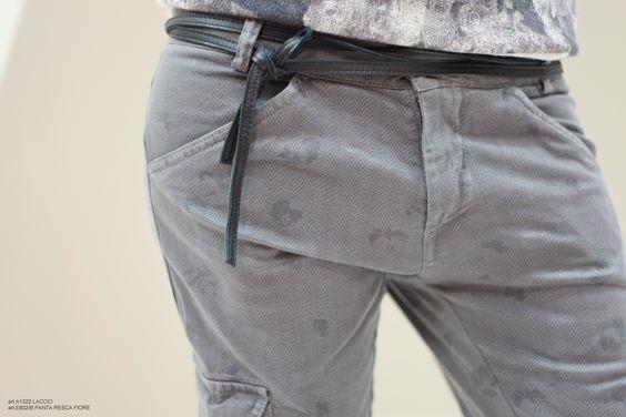 Idea look per il #weekend? Pantalone grigio morbido e laccio in pelle davvero stiloso.  Dalla nuova collezione Agatha Cri, ovviamente. Già disponibile nei nostri negozi… ;)  #AgathaCri #pantalone #newcollection #weekend #style