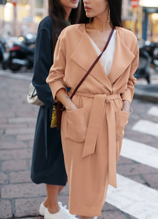 & Other Stories | Street style icons Gilda Ambrosio and Diletta Bonaiuti share their best style secrets in a styling story of spring coats and sneakers.: