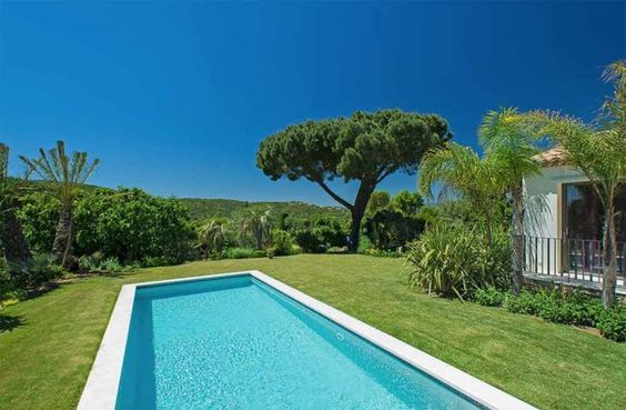 Pool with very pretty view   Saint Tropez   Côte d'Azur   France   Frankreich