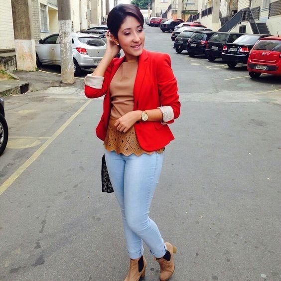 Jeans + blazer vermelho