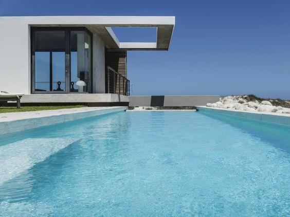 Comment garder une piscine impeccable ? Retrouvez tous nos conseils pour une piscine impeccable sur le blog d'Hayward