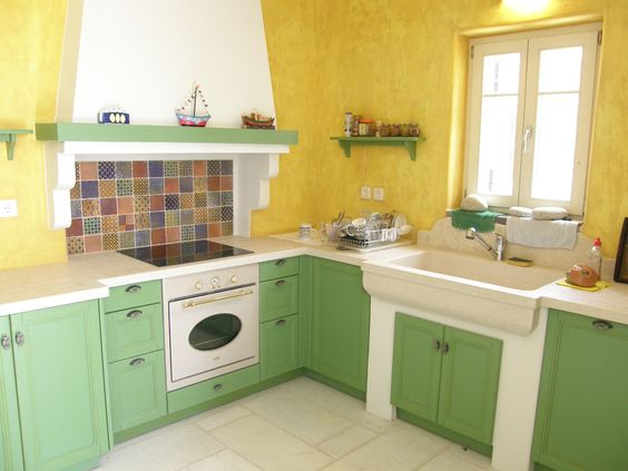 Paros, Greece Built kitchen counter, cupboards and hood, with an - küche aus porenbeton