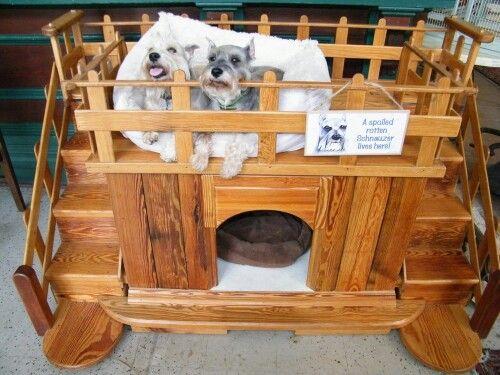 Hondenhuis selfmade..