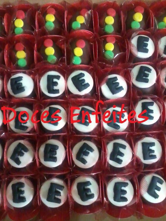 Festa Carros Disney (bombons com modelagem) Encomendas:(21) 2652-6583 www.docesenfeites.blogspot.com