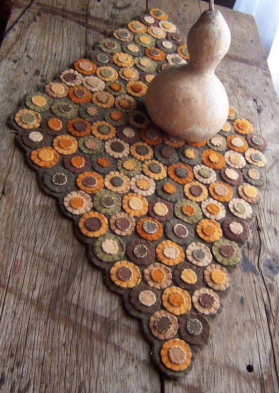 Folk Art - Early American Style Penny Rug - All Hand Dyed Antique Wool - Beautiful Fall Autumn Colors by theprimitivehome