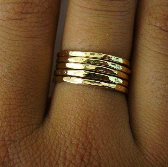 Goldring Skinny 5 Band Stapeln Ring Set von Forkwhisperer auf Etsy