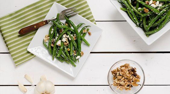 Bohnensalat mit Basilikum und Schafskäse | Allyouneed Magazin