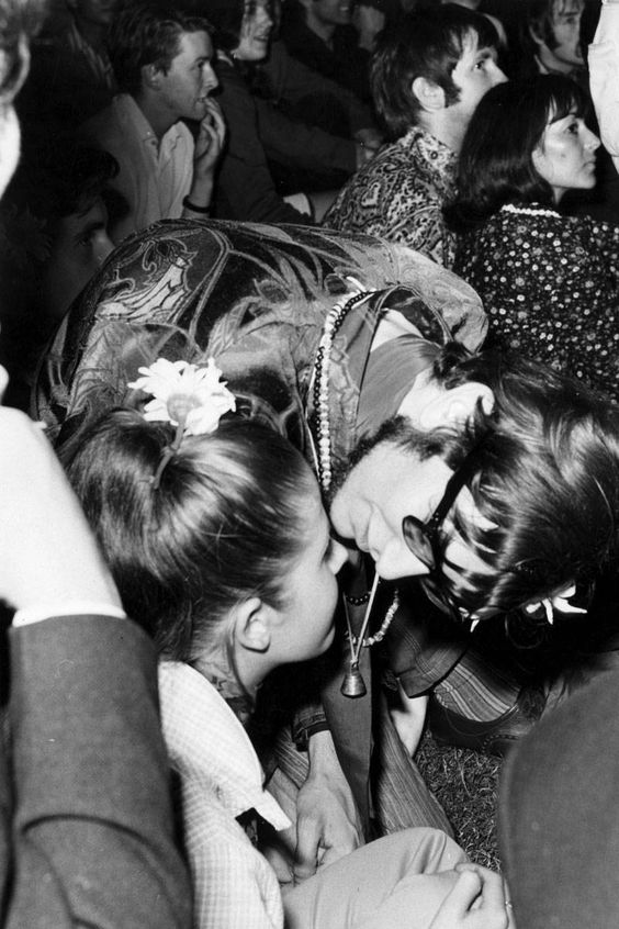 A Look Back at the Best Vintage Festival Fashion  - ELLE.com