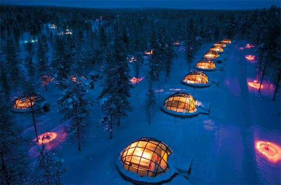 Black*Eiffel  / Hotel kakslauttanaen--  Igloo Village in Finland