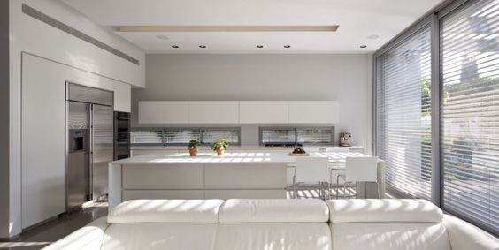 gorgeous light! This space will create some great food photography. / SL House by Domb Architects