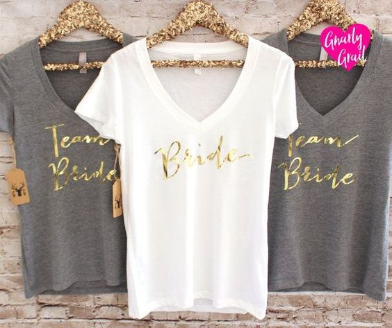 Braut Shirt - Bridesmaid T-Shirts - Wifey Shirt - Gold Silber Vneck Shirt - Bachelorette Party Shirts - Braut Geschenk - Bridesmaid Gift #vf