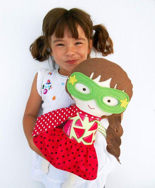Puppen - Superheld Puppe, superhero Doll, Stoffpuppe - ein Designerstück von LaLobaStudio bei DaWanda