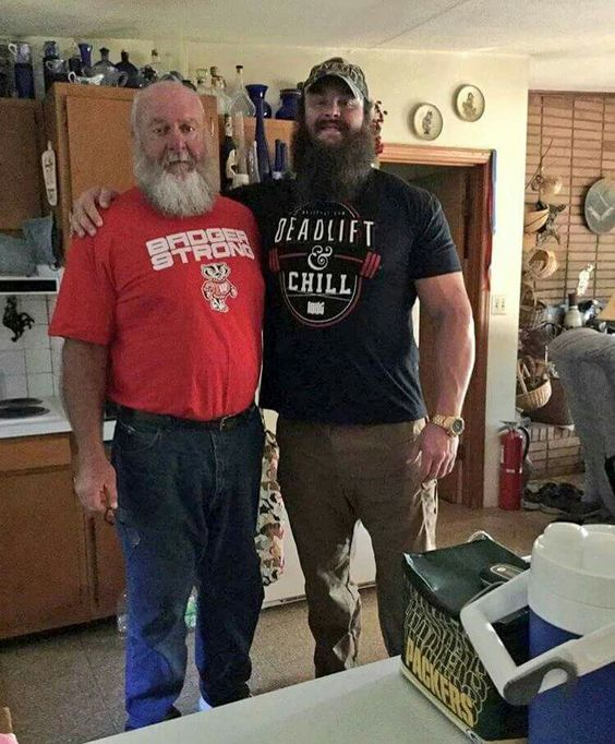 Braun Strowman and his daddy backstage at Wrestlemania ...