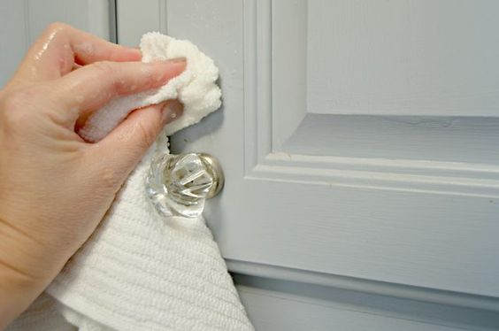 Easy to make homemade kitchen cabinet cleaner pinterest stains it is and clean kitchen cabinets - Clean cabinets using homemade solution ...