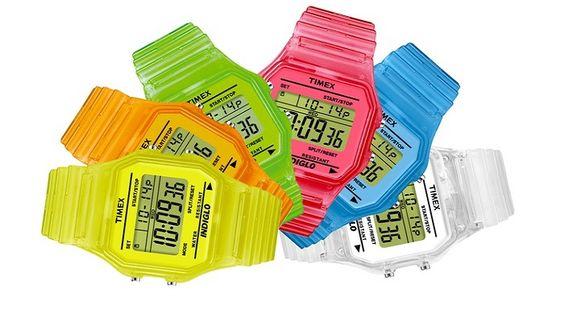 Orologi Timex T80. Vari colori disponibili   L'orologio Timex T80 ha colori estivi e trendy. Realizzato con quadrante Indiglo ha cronografo da 24 ore ed è resistente all'acqua fino a 30 metri. Timex realizza orologi digitali con materiali di qualità e colori alla moda in pieno stile anni 80. Opzioni Bianco (T2N803) a 21,90 …