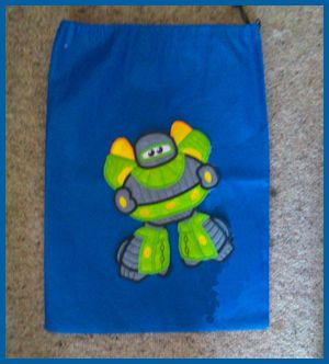 Large Robot Applique. Kreative Kiwi Embroidery. Perfect for school!