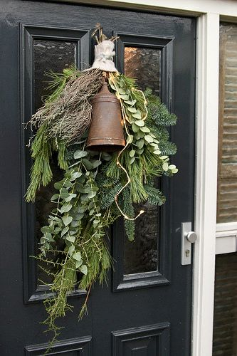 Pin Op Wreaths
