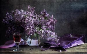Preview wallpaper lilac, pitcher, flower, spring, pack, glass