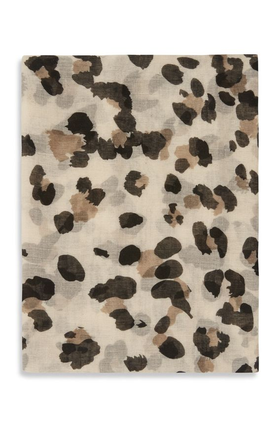 Dünner Schal mit Leopardenmuster