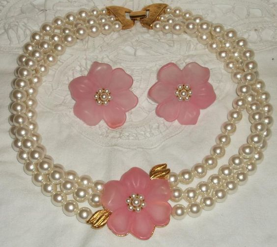 Napier Resin Flower Pink Pearl Necklace Earrings Demiparure Vintage - Gorgeous set!